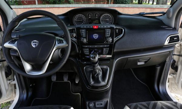 be-free-pro-plus-lancia-ypsilon-interni