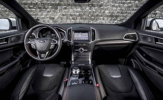 ford-edge-interni