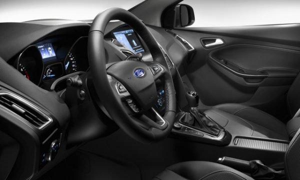 ford-focus-interni