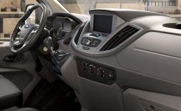 ford-transit-furgone-interni