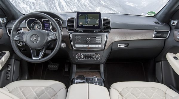 mercedes-gls-interni