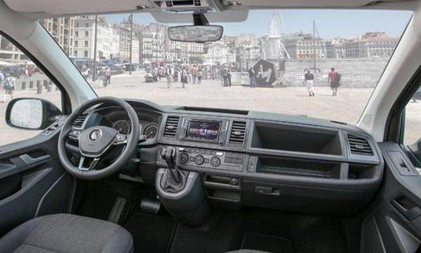 volkswagen-caravelle-interni