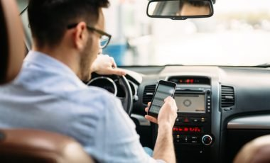 smartphone guida auto 01