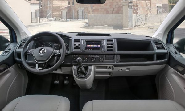 volkswagen-transporter-interni