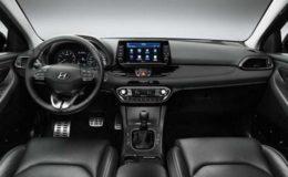 hyundai-i30-fast-back-interni